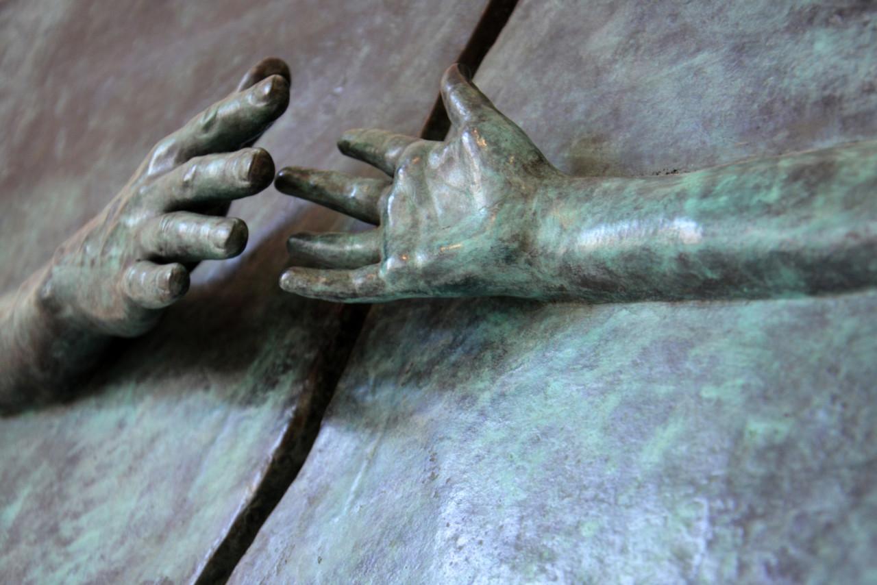 Ulrich Hakel Hands